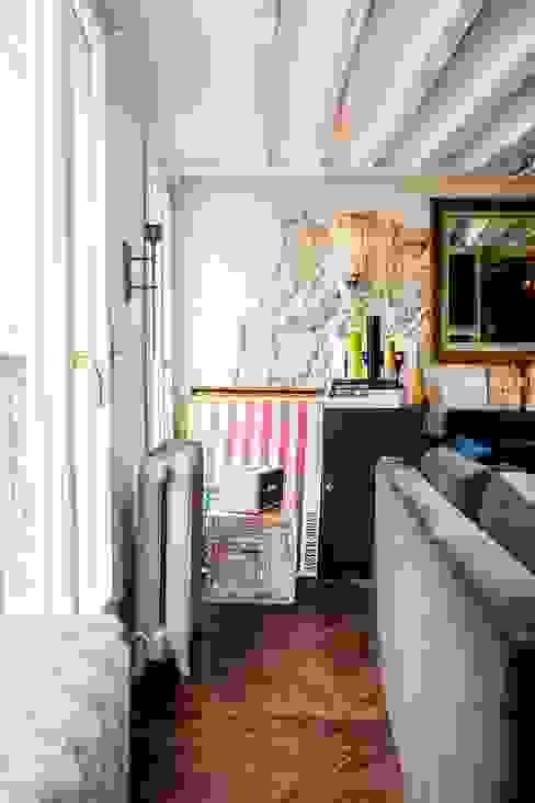 Appartement Montorgueil Paris Salon moderne par Hélène de Tassigny Moderne
