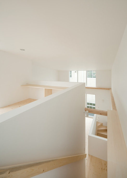 Salas multimedia de estilo escandinavo de 井戸健治建築研究所 / Ido, Kenji Architectural Studio Escandinavo