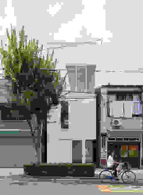 根據 井戸健治建築研究所 / Ido, Kenji Architectural Studio 簡約風