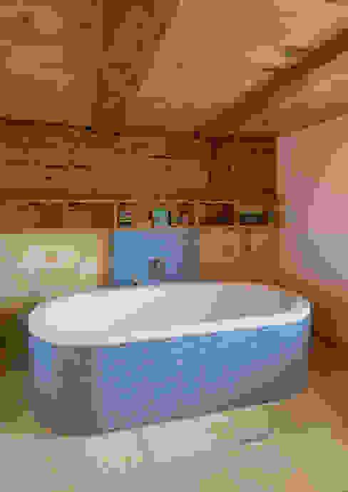 Bad Moderne Badezimmer von Prof. Peter Tausch Modern