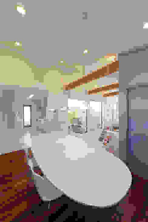 Modern dining room by ヒロノアソシエイツ一級建築士事務所 Modern