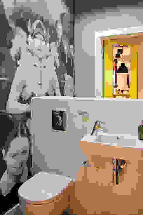 apartament Warszawa Włochy: styl , w kategorii Łazienka zaprojektowany przez SHOQ STUDIO Architektura i wnętrza,Nowoczesny