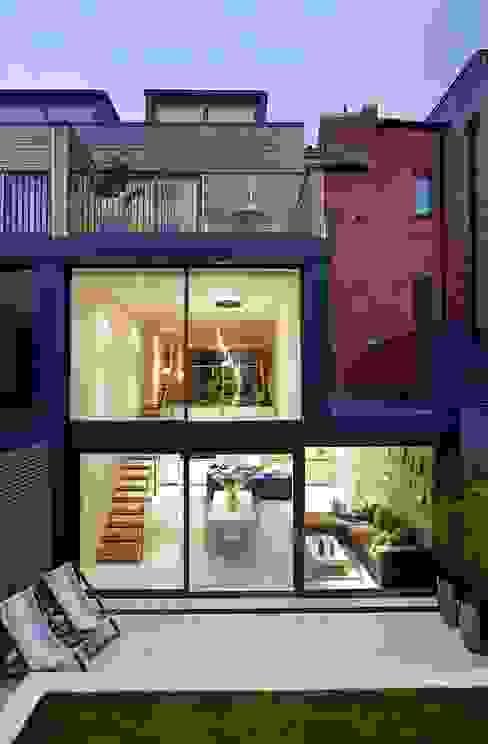 Living room by LLI Design,