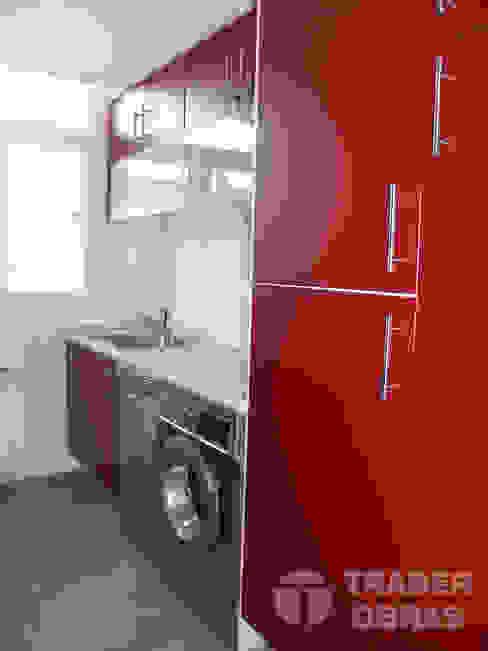 Reforma integral de vivienda por Traber Obras . Cocina. Traber Obras Cocinas de estilo moderno