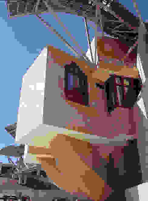 City Of Wine Complex Marqués De Riscal (Gehry Partners LLC) - BEIGE PINAR sandstone Hoteles de estilo moderno de ARENISCAS STONE Moderno