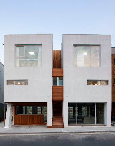 Houses by CHORA, Modern