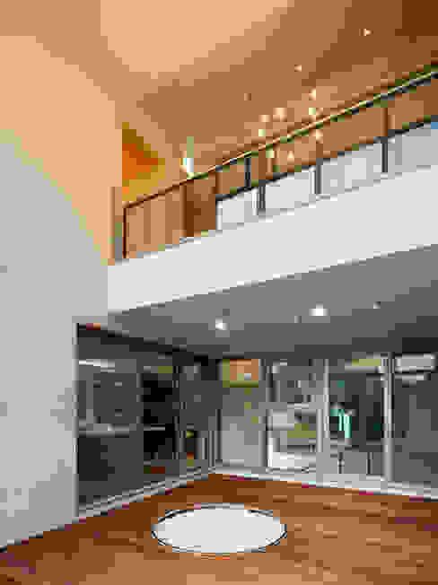 Modern style conservatory by CHORA Modern