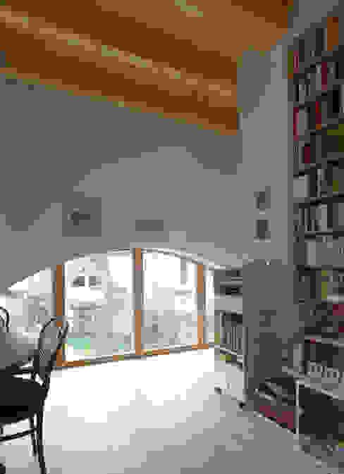Scheune T Klassische Esszimmer von +studio moeve architekten bda Klassisch