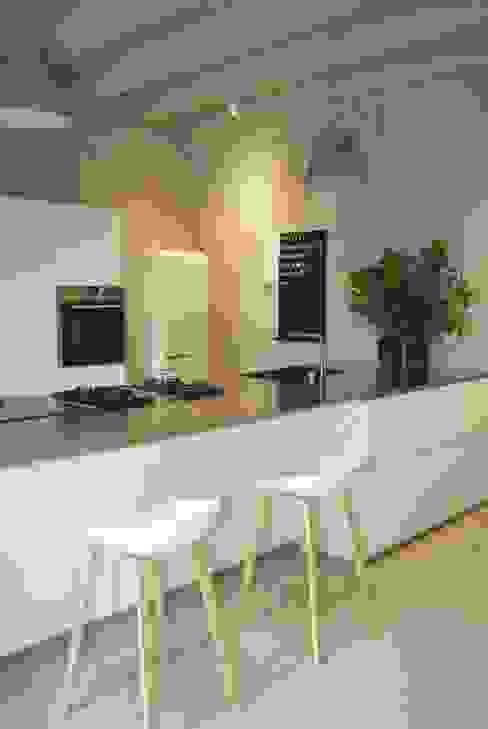 CASA BELFIORE Cucina moderna di studio di architettura DISEGNO Moderno