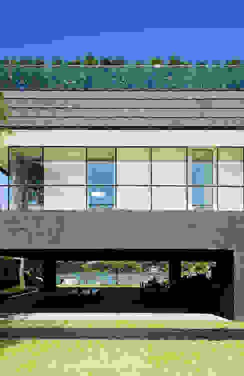 Casas de estilo  por hyunjoonyoo architects