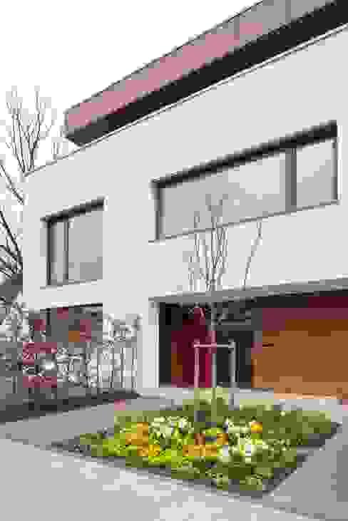 Nowoczesne domy od bdmp Architekten & Stadtplaner BDA GmbH & Co. KG Nowoczesny