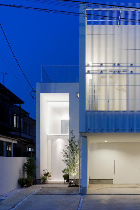ODAWARA COURTYARD HOUSE: AIDAHO Inc.が手掛けた家です。,モダン