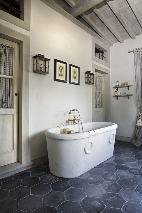 rustic  by Antonio Lionetti Home Design, Rustic