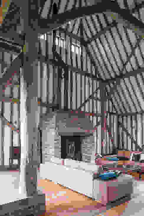 Photography - barn conversion in Sawbridgeworth by Adelina Iliev Photography Modern