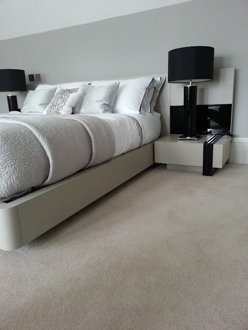 Luxurious Velvet Carpet Chambre moderne par The Prestige Flooring Company Moderne
