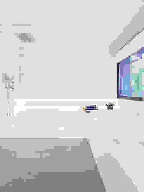 Moderne Badezimmer von Tarimas de Autor Modern