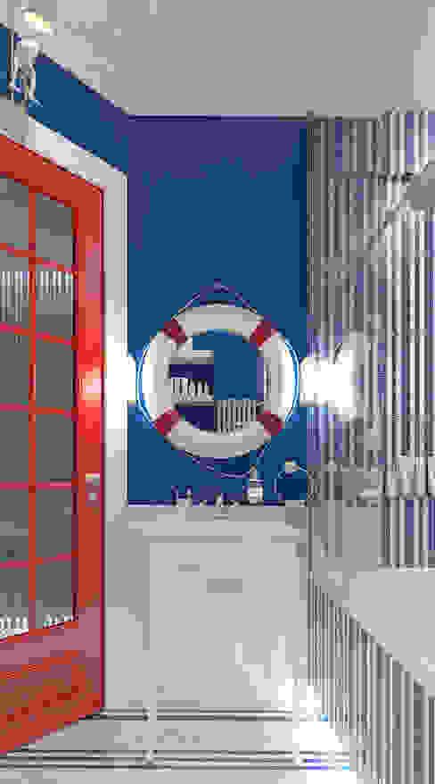 Salle de bain classique par FEDOROVICH Interior Classique