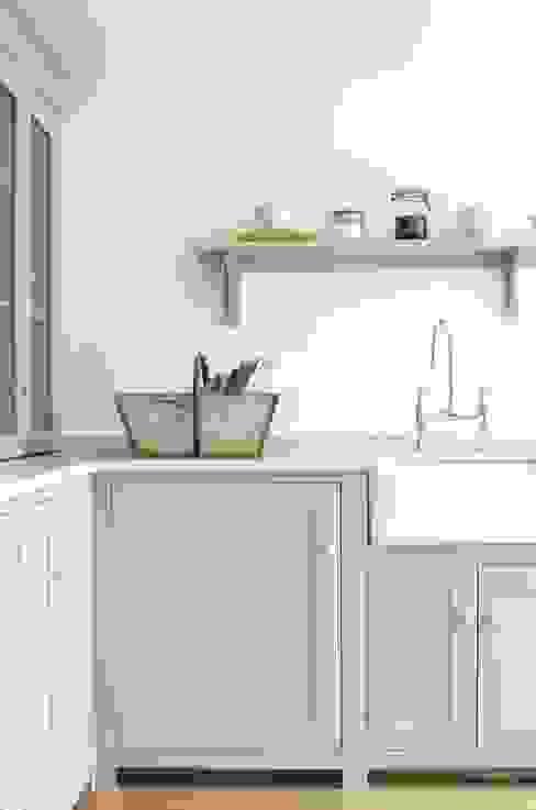 The Kew Shaker Kitchen by deVOL Cozinhas escandinavas por deVOL Kitchens Escandinavo
