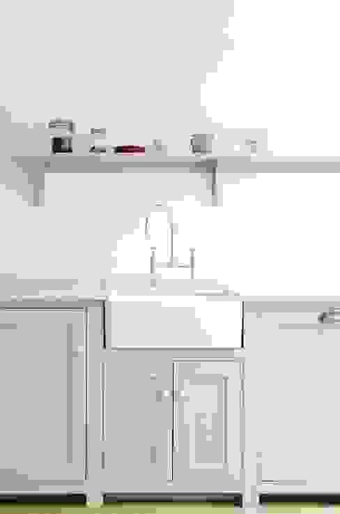 The Kew Shaker Kitchen by deVOL:  Kitchen by deVOL Kitchens