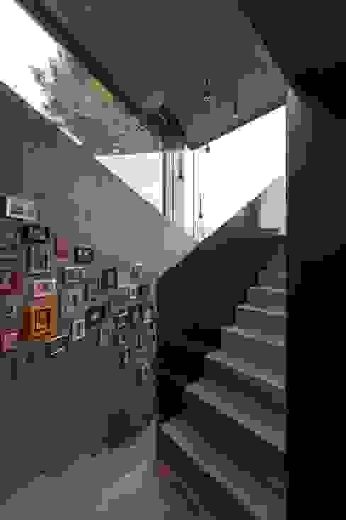 Wohnhaus Dielsdorf Moderner Flur, Diele & Treppenhaus von L3P Architekten ETH FH SIA AG Modern