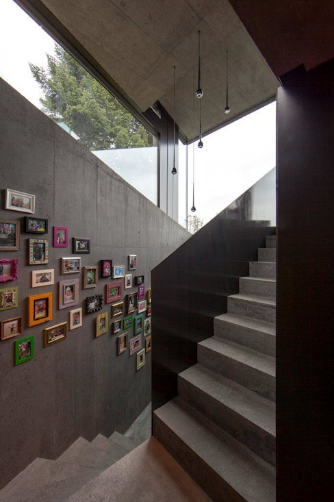 Gang en hal door L3P Architekten ETH FH SIA AG,