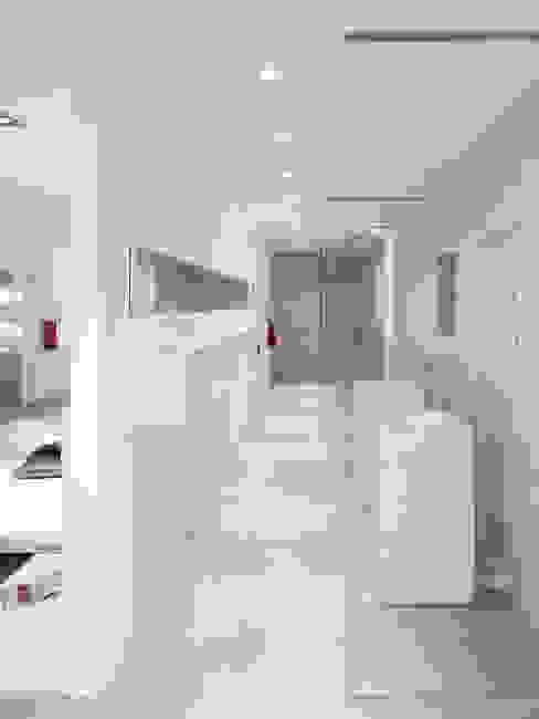 Energiespar-Haus STOCKHOLM Moderne Badezimmer von STREIF Haus GmbH Modern