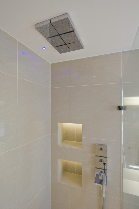 Shower room DDWH Architects Minimalist style bathrooms