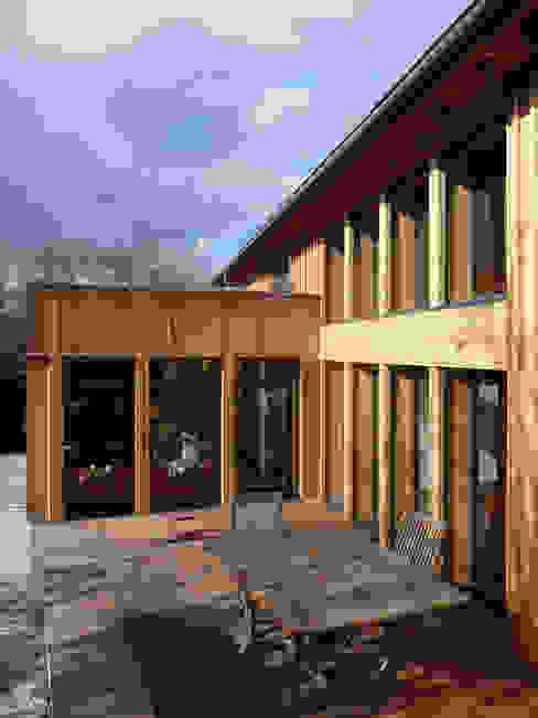 Modern houses by Atelier Wolff & Associés Modern