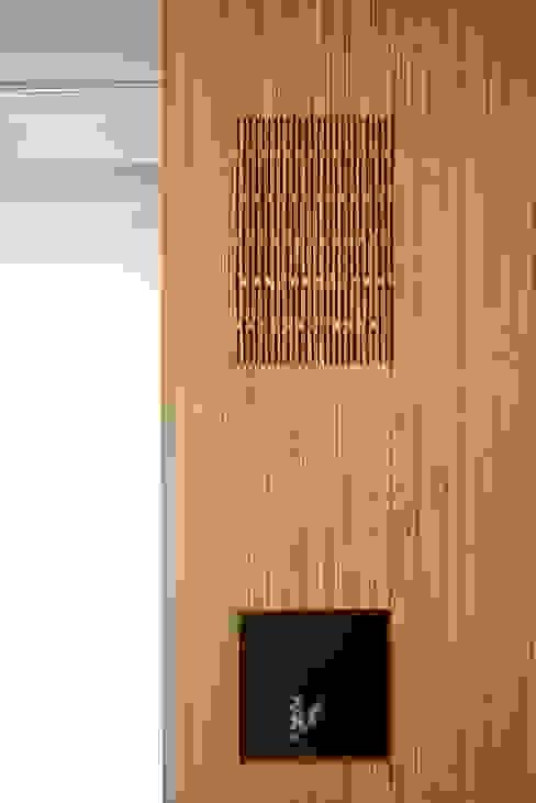 modern  by Leonardus interieurarchitect, Modern