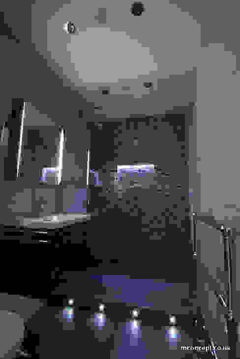 Complete modernisation of Central London Flat Modern bathroom by Mconcept Modern