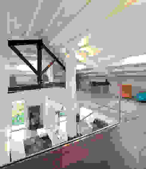 Casa Albega Soggiorno moderno di INO PIAZZA studio Moderno