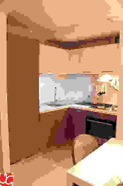 Abitazione LP Cucina moderna di OGARREDO Moderno