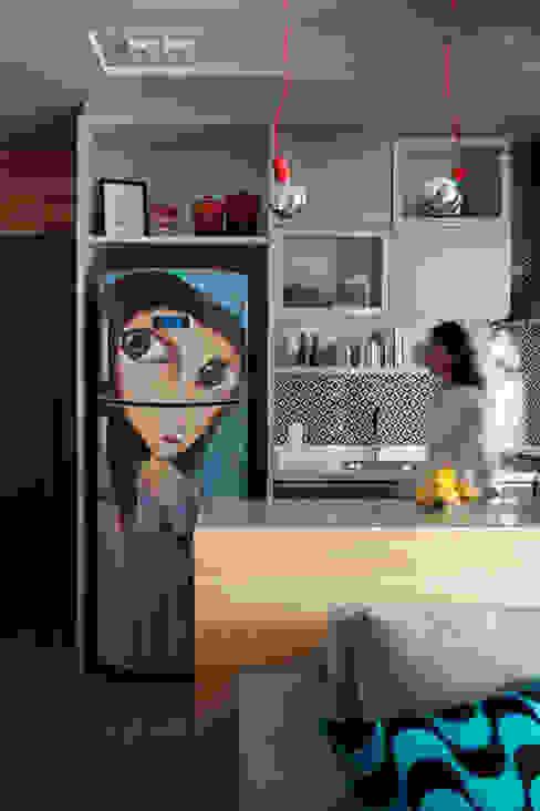 Kitchen by Juliana Pippi Arquitetura & Design, Modern