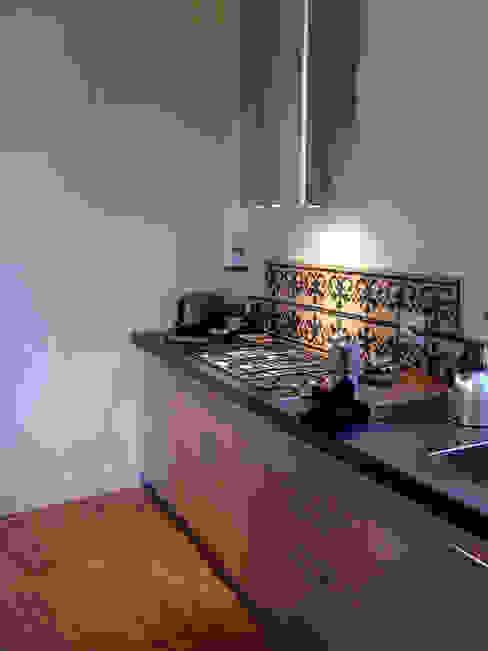 appartamento a Porta San Frediano Firenze Cucina moderna di architetto alessandro condorelli Moderno