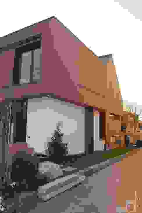 Modern houses by di architekturbüro Modern