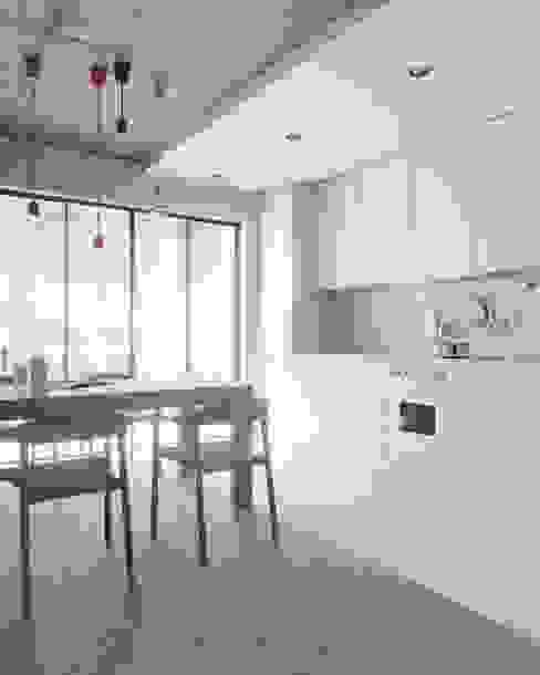 D'man - Кухня Кухня в стиле лофт от NORDES Лофт