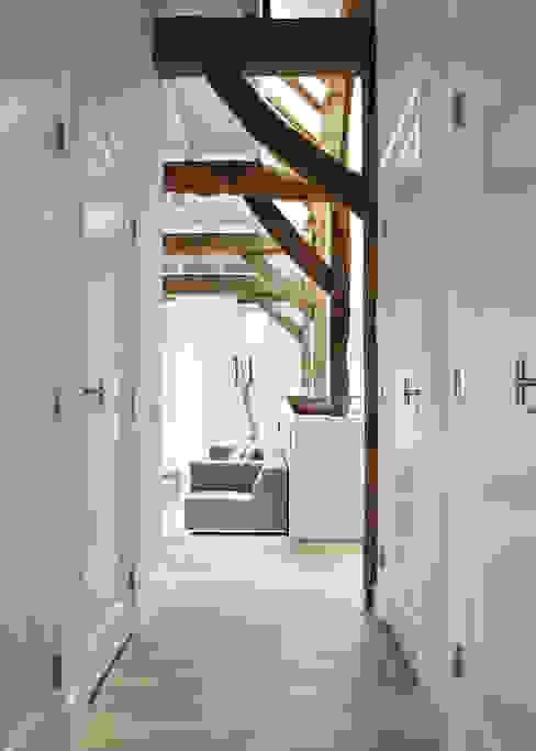 乡村风格的走廊,走廊和楼梯 根據 reitsema & partners architecten bna 鄉村風