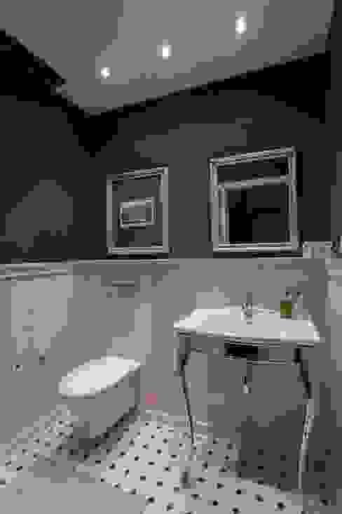 Classic style bathroom by Арт-дизайн Студия Юрия Зубенко Classic