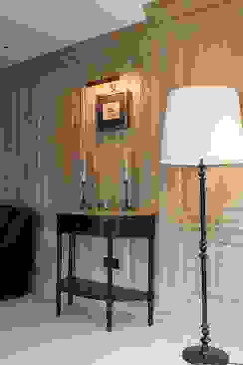 Classic style living room by Арт-дизайн Студия Юрия Зубенко Classic