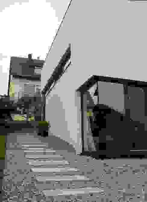 Neubau WOHNHAUS Minimalistische Häuser von di architekturbüro Minimalistisch