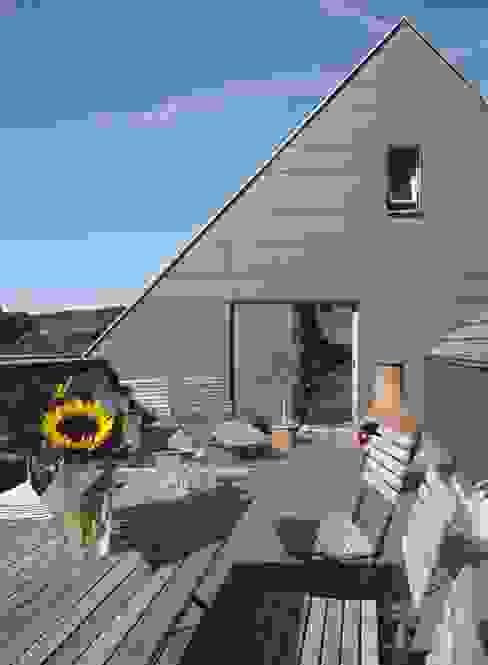 Балкон и терраса в классическом стиле от Dipl.-Ing. Michael Schöllhammer, freier Architekt Классический