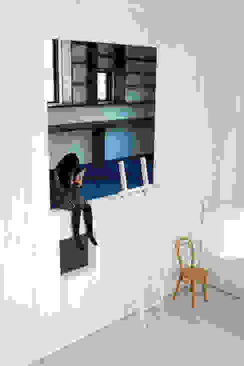 HIROBA モダンデザインの リビング の JMA(Jiro Matsuura Architecture office) モダン