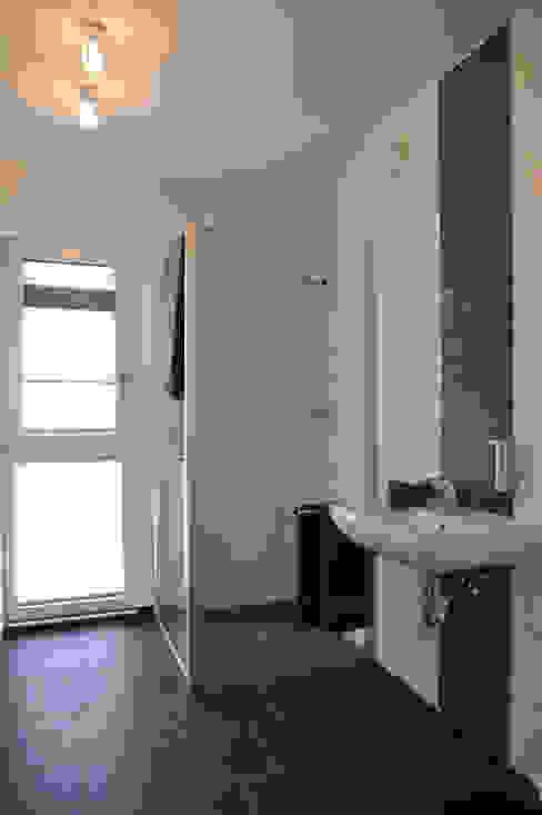Nowoczesna łazienka od STREIF Haus GmbH Nowoczesny