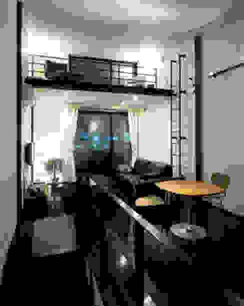 緑井の家: 有限会社アルキプラス建築事務所が手掛けたリビングです。,モダン