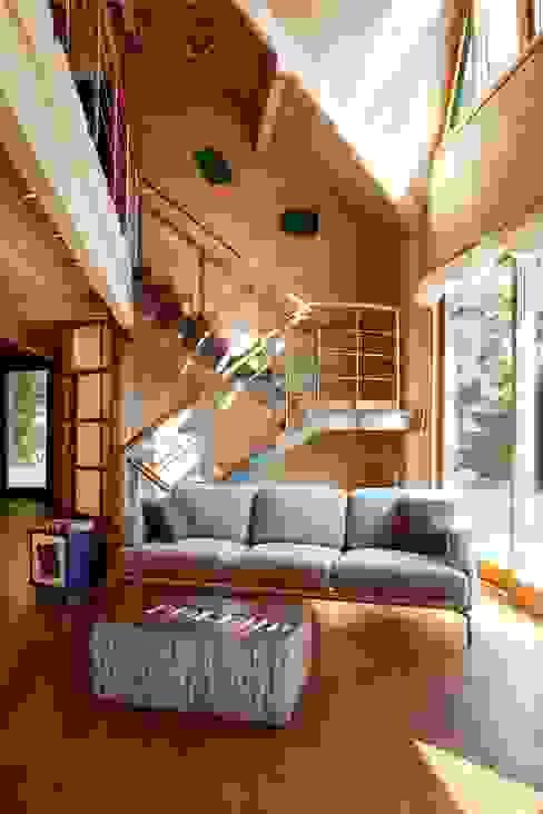 casa in legno Soggiorno moderno di alberico & giachetti architetti associati Moderno