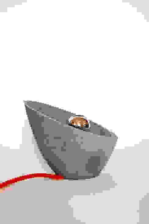 Lampe à poser 2.1 -finition brute par Emilien Lavice, Architecte°Designer Moderne