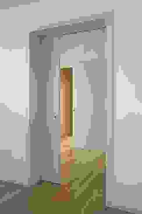 Casa em S. Salvador m2.senos Corredores, halls e escadas clássicos