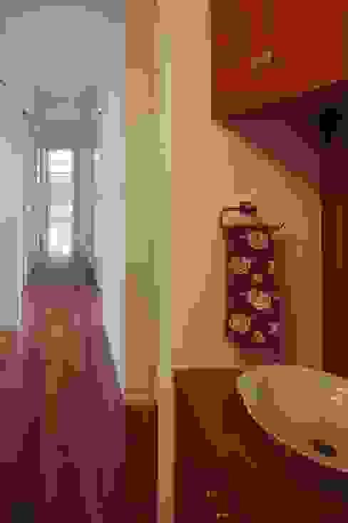 slide house Corredores, halls e escadas modernos por 一級建築士事務所あとりえ Moderno