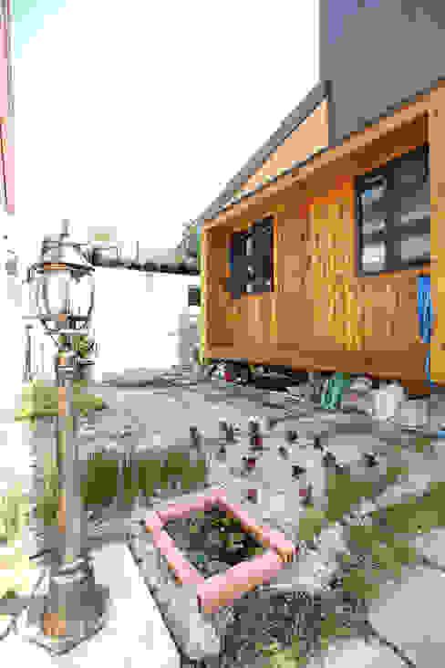 Jardines de estilo  por 주택설계전문 디자인그룹 홈스타일토토