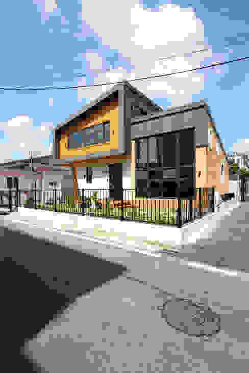 동네를 바꾸는 신선함 모던스타일 주택 by 주택설계전문 디자인그룹 홈스타일토토 모던